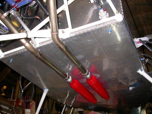 Cherry bomb single chamber race muffler